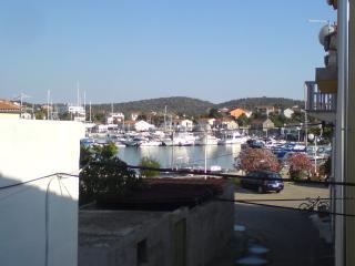 Nice Condo with Internet Access and A/C - Jezera vacation rentals