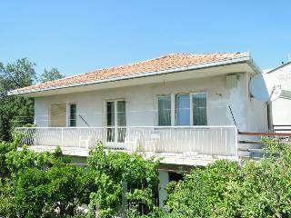Cozy 3 bedroom Slatine Condo with Television - Slatine vacation rentals