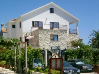 Romantic 1 bedroom Orebic Apartment with Internet Access - Orebic vacation rentals