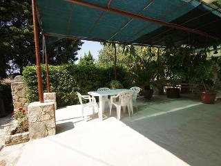 B00204UVRO  H(4+2) - Cove Rogacic (Vis) - Cove Rogacic vacation rentals