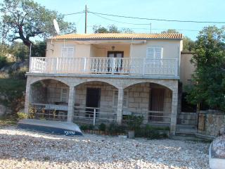 00104UVRO  A1(6+2) Veliki - Cove Rogacic (Vis) - Cove Rogacic vacation rentals