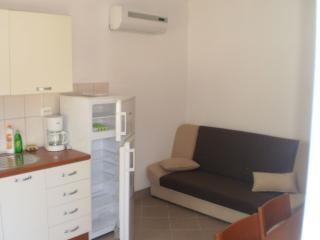 35362 A1(3+2) - Poljica (Marina) - Vrsine vacation rentals