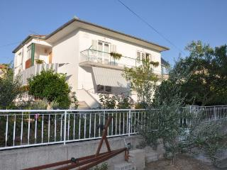 Cozy 3 bedroom Condo in Biograd with Internet Access - Biograd vacation rentals