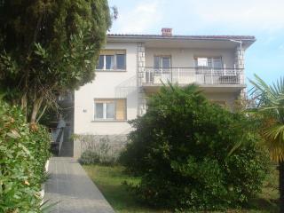 Cozy 2 bedroom Condo in Malinska - Malinska vacation rentals