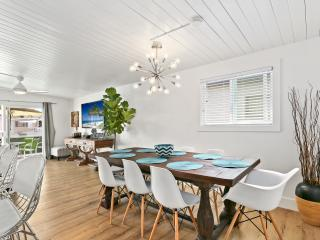 Fully Renovated Beach house-6 houses to sand w/ AC - Balboa Island vacation rentals