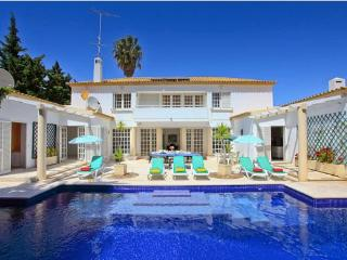 HIBISCUS-6BDR VILLA W/HEATED POOL NEAR THE BEACH - Albufeira vacation rentals