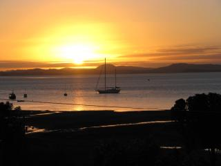 Perfect Apartment with Deck and Internet Access in Whangarei Heads - Whangarei Heads vacation rentals