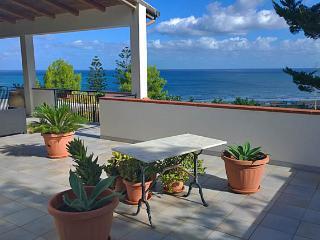 Villa meraviglioso Golfo - Castellammare del Golfo vacation rentals