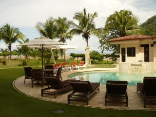 Right on the beach- 3 BR 2 Bathrooms - Jaco vacation rentals