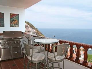 Cozy Villa with Internet Access and Shared Outdoor Pool - Catalina Island vacation rentals