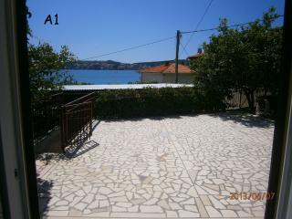 35038 A1 (4+2) - Seget Donji - Seget Donji vacation rentals