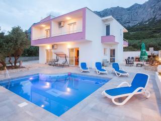 Bright 5 bedroom House in Makarska - Makarska vacation rentals