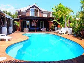 Charme et confort pour notre villa à 150m du lagon - Saint-Gilles-Les-Bains vacation rentals