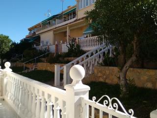 La Siesta Benidorm Ground Floor Bungalow, WIFI. - Benidorm vacation rentals