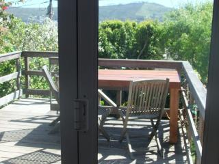 sunny cottage style home in the city of Cape Town - Vredehoek vacation rentals