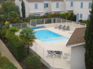 """Résidence """"Jardins d' Agathe"""" - Vaux-sur-Mer vacation rentals"""