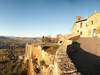 Romantic 1 bedroom Apartment in Orvieto with Internet Access - Orvieto vacation rentals