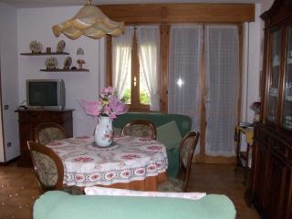 Nice Townhouse with Internet Access and Central Heating - Villanuova sul Clisi vacation rentals