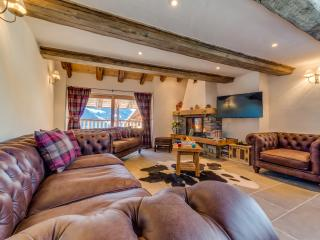 3 bedroom Ski chalet with Internet Access in Sainte-Foy-Tarentaise - Sainte-Foy-Tarentaise vacation rentals