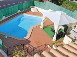 6 Bedroom Villa Sleeps 12 w/ Swim Pool, Pool table - Albufeira vacation rentals