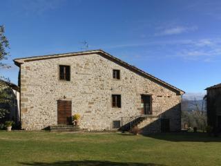Appartamento rustico in una fattoria toscana - Anghiari vacation rentals