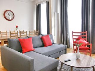 Antoine VII apartment in Brussel centrum with WiFi & lift. - Brussels vacation rentals