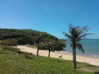 Seu apartamento na Enseada Azul - Guarapari ES - Meaipe vacation rentals