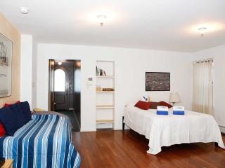 Quiet , Charming Duplex 1000 Sq. Ft. Sleeps X 6 People - New York City vacation rentals