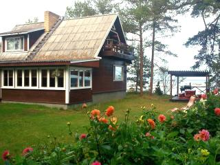 Nice Cottage with Balcony and Sauna - Mahu vacation rentals