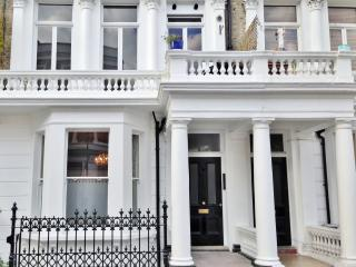 Central London(Zone 2)-West Ken/Olympia/Earls Ct - London vacation rentals