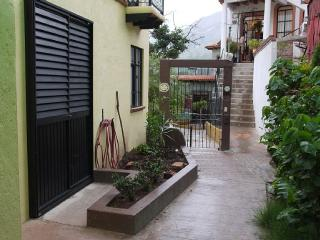 Cata Apartment - Cozy Bachelor Suite - Guanajuato vacation rentals