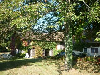 Nice Cottage with Internet Access and Satellite Or Cable TV - Trivy vacation rentals