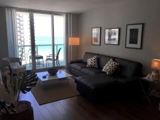 Ocean Line with Sea view - Beach Access - Resort - Hollywood vacation rentals