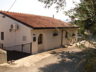 Detached country villa near Casoli - Casoli vacation rentals