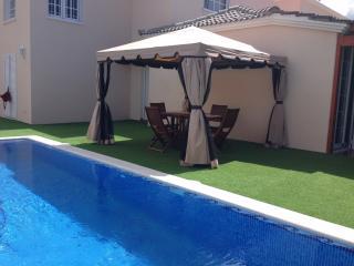 Villa Fanabe' con piscina privata, WIFI Gratis, - Playa de Fanabe vacation rentals