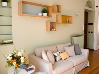 Casa Crocetta, elegante appartamento - Turin vacation rentals