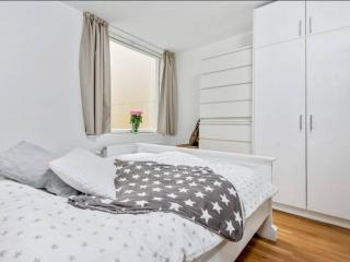 KG19- the city center spacious bright 1BD/1BA 4ppl - Oslo vacation rentals