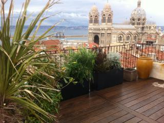 LOFT avec grande terrasse avec vue mer/prox.MUCEM - Marseille vacation rentals