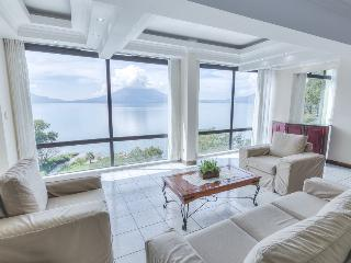 Holiday and vacation apartment rent, 5th floor - Solola vacation rentals
