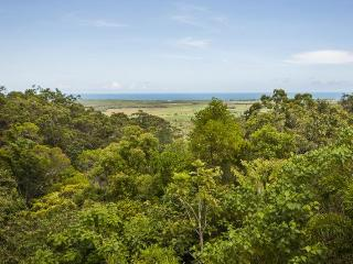 """The View 360 House """" Infinity PooI Amazing Views"""" - Port Douglas vacation rentals"""