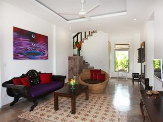 Modern spacious villa; pool + amazing 360° views - Tegalalang vacation rentals