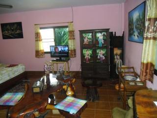 2 bedroom Condo with Internet Access in Tha Maka - Tha Maka vacation rentals
