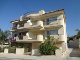 2 bedroom Condo with Internet Access in Kolossi - Kolossi vacation rentals