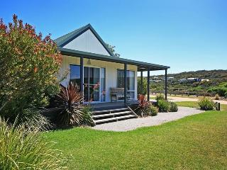 Comfortable Aireys Inlet Studio rental with Deck - Aireys Inlet vacation rentals