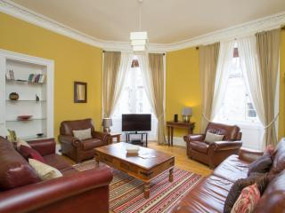 Grindlay street apartment - Edinburgh vacation rentals