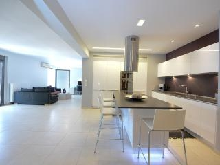 Great apt in the center of the city - Heraklion vacation rentals