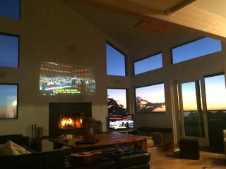 Northern Lights. Big and Beautiful! Hot Tub! Game room, Pacific Views! - Dillon Beach vacation rentals