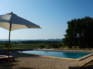 Authentique maison provençale avec piscine - Mazan vacation rentals