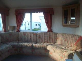 Nice Caravan/mobile home with Short Breaks Allowed and Long Term Rentals Allowed - Prestatyn vacation rentals