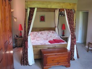 Chateau de Serrigny, Chablis .The Farmhouse - Tonnerre vacation rentals